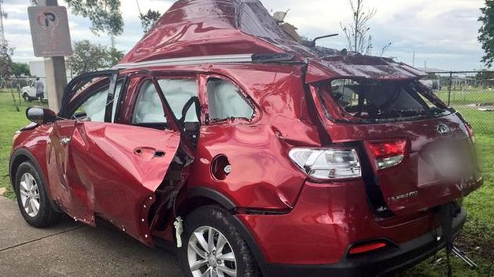 SUV Carrying bbq grill explodes in florida
