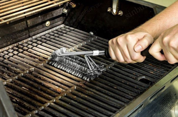 Syracuse doc warns people of using wire brushes for cleaning BBQ grills